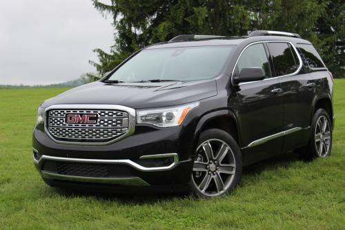 2017_GMC_Acadia_FirstDriveReview_1.jpg