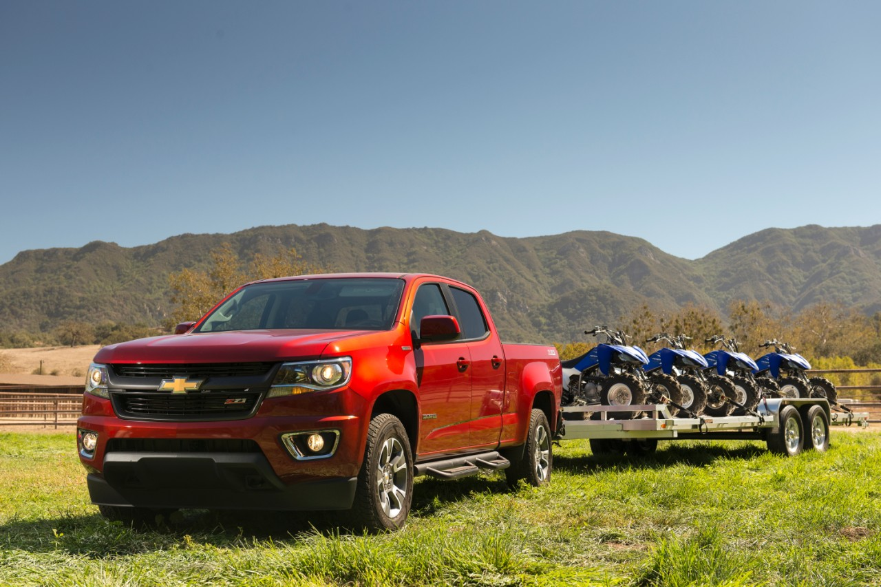 Chevy camaro colorado motor trend car truck of the for Motor trend truck of the year list